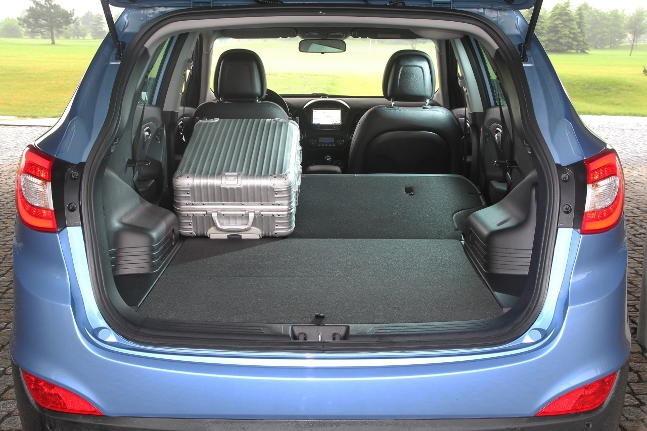 ix35 hyundai motor czech s r o. Black Bedroom Furniture Sets. Home Design Ideas